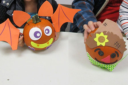 2018 Kids Pumpkin Decorating